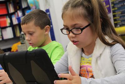 纽约宣布向需要远程上学的学生免费租借苹果iPad