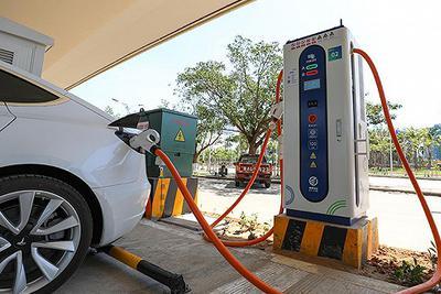 """新能源汽车产业迎新机遇:下半年销量或现""""U""""型反转"""