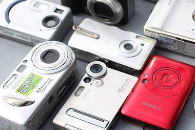 全球数码相机销量十年跌九成 vlog专用相机或成热宠