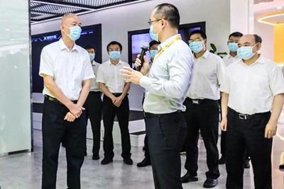 蔡奇来到美团等公司调研 要求加快培育壮大新业态新模式