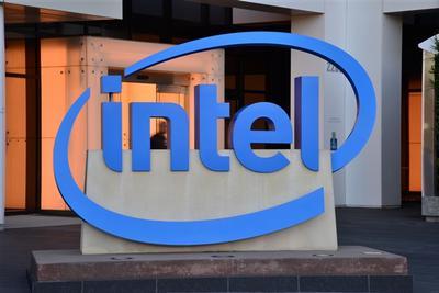 Intel新CEO谈自家7nm项目:仍可能扩大芯片制造外包
