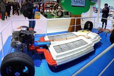 新能源车股狂欢背后:车企纷纷向上突围 电池技术成竞争关键