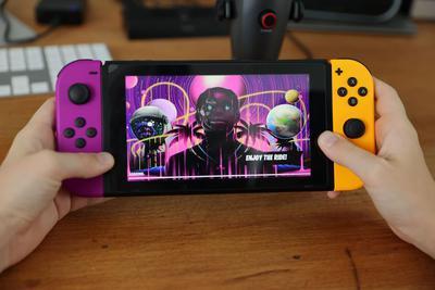厂商提前曝光任天堂Switch Pro游戏机:配备OLED显示屏