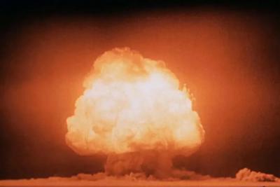 """一种""""不可能""""出现的物质,在第一次核爆炸中出现了"""