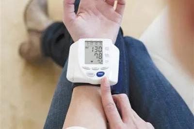 31款家用电子血压计比较试验:松下一款电子血压计残差比大