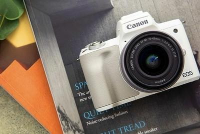 轻巧便携高画质 适合年轻人的微单相机推荐