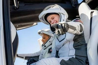 SpaceX计划在Inspiration4成功后一年内发射6次载人飞行