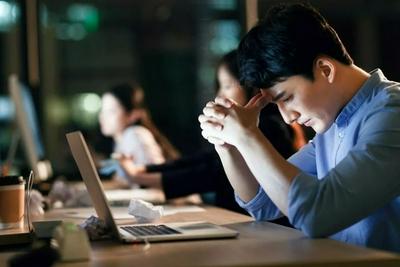 """年轻打工人,在互联网大厂""""边缘""""岗位挣扎"""