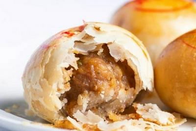 让上海人台风天都要排队买的鲜肉月饼,到底有什么魔力?