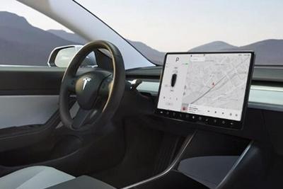 软件升级后 特斯拉Model 3和Y夜间探测到应急车辆时将自动减速