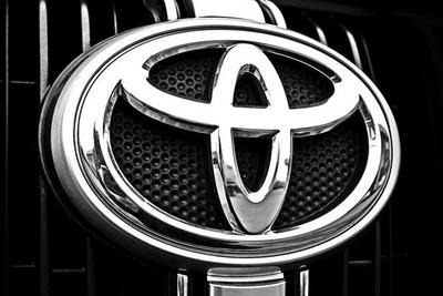 日媒:丰田汽车计划将电动车电池成本降至一半