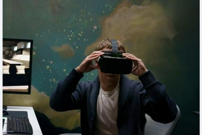 Connect大会前扎克伯格展示新款VR头显原型