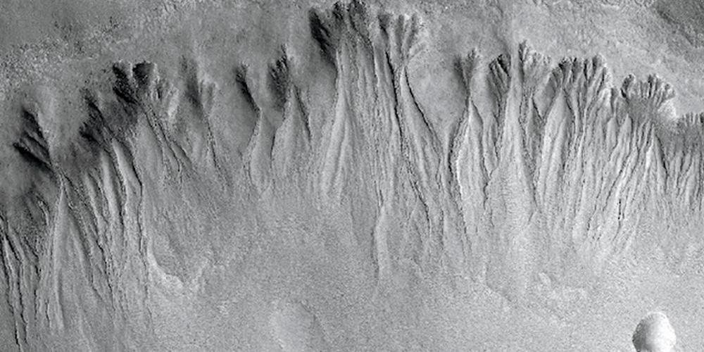 火星探测器拍摄高清图像揭晓火星真面目