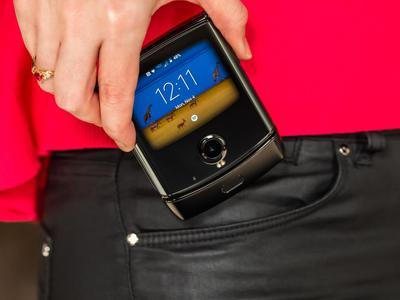摩托罗拉Razr折叠屏手机国内首发体验