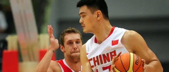 《中国女排》合照惠若琪被打码 天津体育局道歉