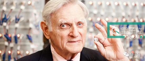 97岁诺奖得主:本科学文学 博士转物理 54岁研究锂电
