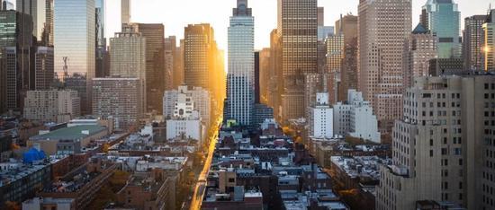自动驾驶的城市镜像:抢跑、狂奔、敢运营