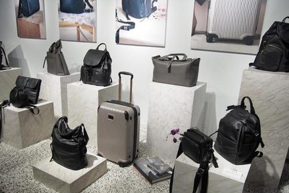 TUMI用黑科技材料编织的旅行箱能防弹?