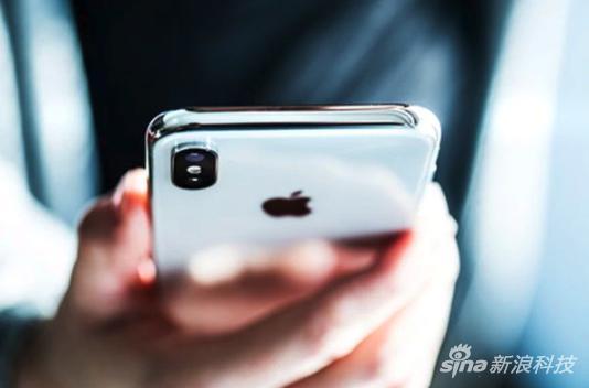 中國留學生涉嫌用假冒蘋果產品換取真機