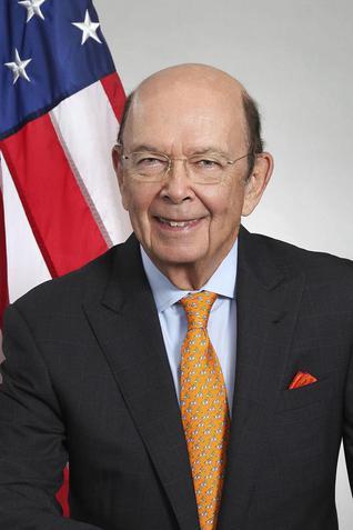 现任美国商务部长威尔伯·罗斯