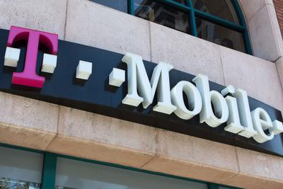 T-Mobile宣布回购15亿美元股票 或暗示税改将来临