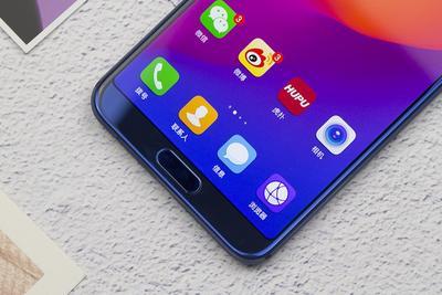 屏下指纹传感器全球首次量产:手机明年1月登场