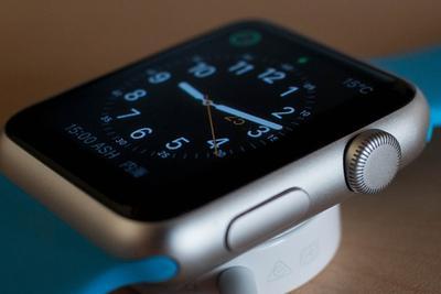 男子深夜突发心脏病 苹果Apple Watch却救了他一命