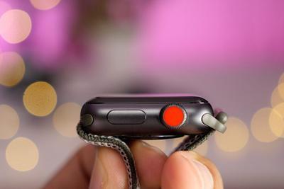 用户:Apple Watch一进医院不停重启 最多一小时一次