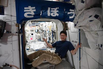 神奇!日本宇航员在外太空3周长高9cm:目前很担心