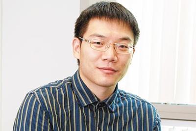 """美国""""杰青""""刘翀: 霍金是我的科研引路人"""