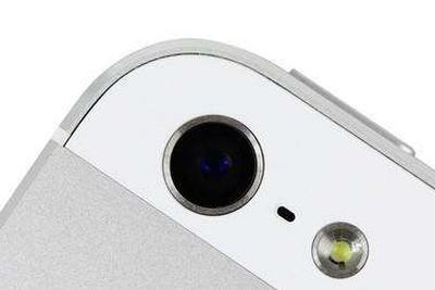 传新款iPhone正在测试 摄像头比以前大上一圈