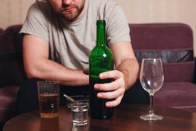 喝醉后更爱吵架?新研究揭示喝醉后更具攻击性的原因