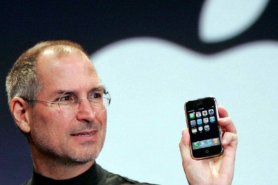 不服老不行 首代iPhone被iPhone X吊打