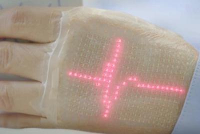 日本研究人员开发电子皮肤:可显示健康数据