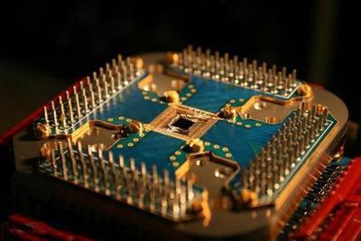 中科院阿里云联合发布11比特云超导量子处理器
