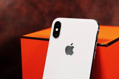 曝苹果iPhone X Plus OLED屏幕下月量产,三星负责