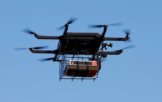 佛罗里达,一架无人机被用于包裹递送的测试。图片来源:SCOTT AUDETTE/REUTERS