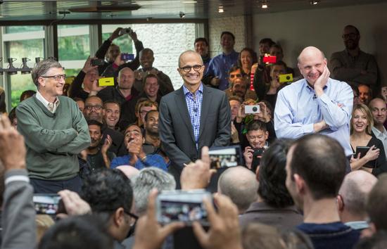 微软CEO纳德拉谈与苹果的关系:共存与竞争