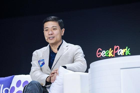 李彦宏:移动互联网时代百度被冲击 AI到来反而淡定