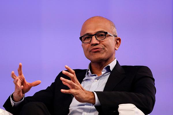 当地时间2017年11月7日,印度新德里,微软CEO萨提亚·纳德拉在新德里宣传新书《Hit Refresh》。 视觉中国 图