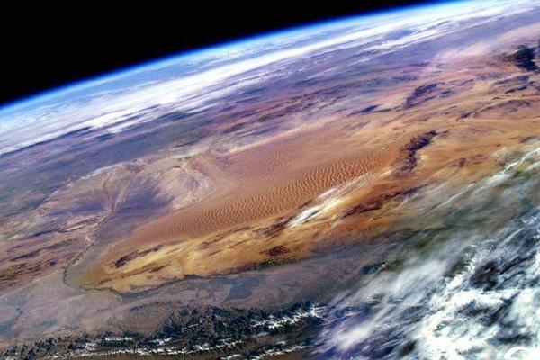 中国航天员太空摄影展:领略太空震撼之美