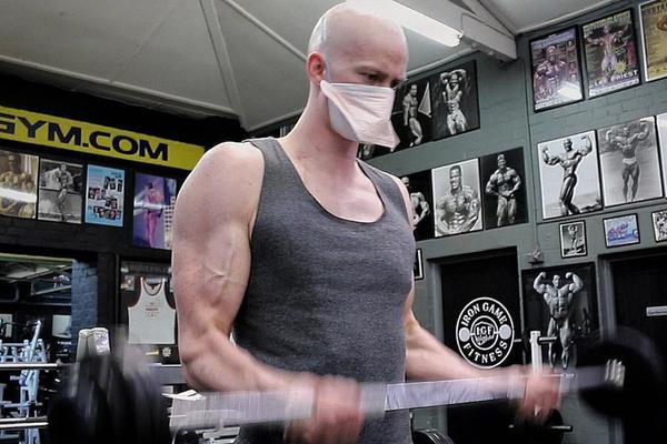 励志!澳洲患白血病小伙健身对抗疾病