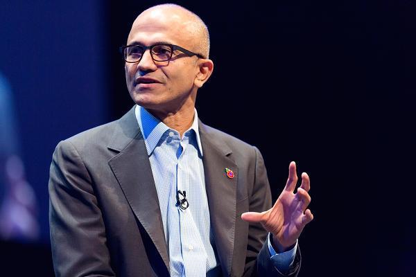 """微软CEO分析AI技术两面性,别让人类成为机器人""""驯化的猫""""-送彩金38满100提现网"""