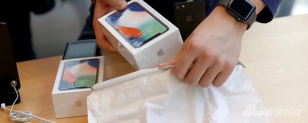 苹果削减iPhone X订单,三星OLED面板受挫