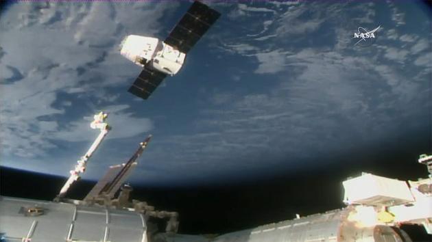 SpaceX公司龙飞船于美国时间1月13日驶离国际空间站,带着近2000千克的科学物资返回地球,此次时长近一个月的物资补给任务圆满结束。