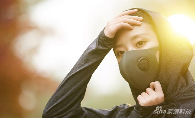 智米轻呼吸防霾口罩佩戴效果展示