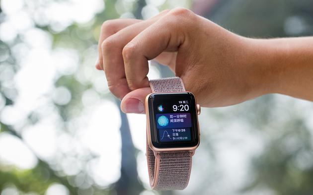 Apple Watch销量创纪录 苹果已赢下智能穿戴的战争?