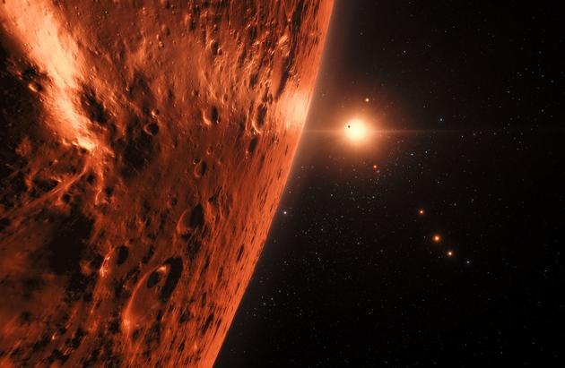 图中是艺术家描绘的快速飞越一颗系外行星。德国歌德大学理论物理学家格罗斯假设称,一艘1.5吨重的太空飞船将从地球发射,向其它行星播种生命,同时,一个巨大的陆基激光器将瞄向探测器50公里宽的光帆,提供大约30%光速的推进速度,完成部分太空旅行。