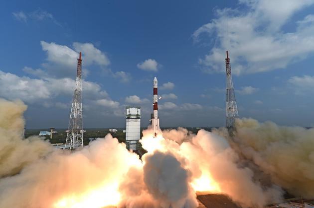 """印度极轨卫星运载火箭-XL""""一箭104星""""发射"""