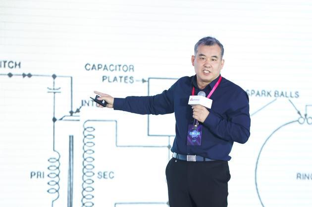 中国科学院物理研究所研究员、科学传播专家曹则贤